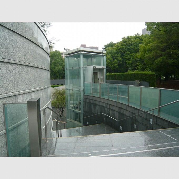 hiroshima_national_peace_memorial_hall_for_the_atomic_bomb_victims04