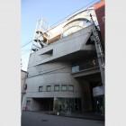 uak-building01