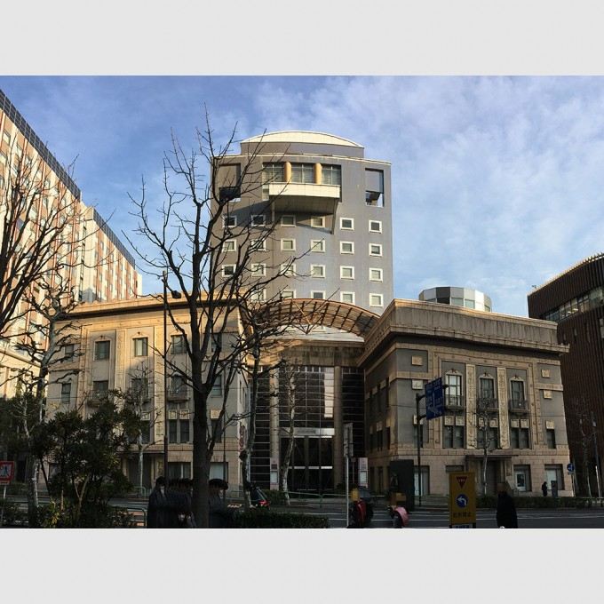 日本大学お茶の水校舎   磯崎新